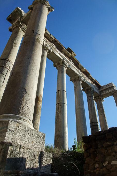 フォロ・ロマーノ(サトゥルヌス神殿)