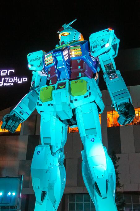 ダイバーシティ東京 プラザ(初代ガンダム)